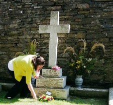 Denise Bullen Wreath Lay